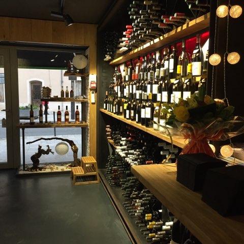 Cave à vins, rhums, whiskies, alcools fins, spiritueux